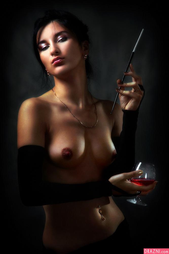 поэтому фото девушки эротично с сигарами нового домашнего